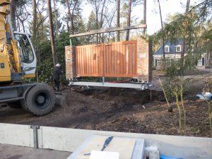 Stap 2 van de plaatsing van een houten poort door De Poort Expert
