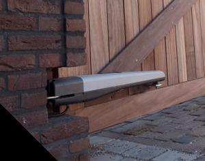Aandrijvingen voor een elektrische poort de poortexpert